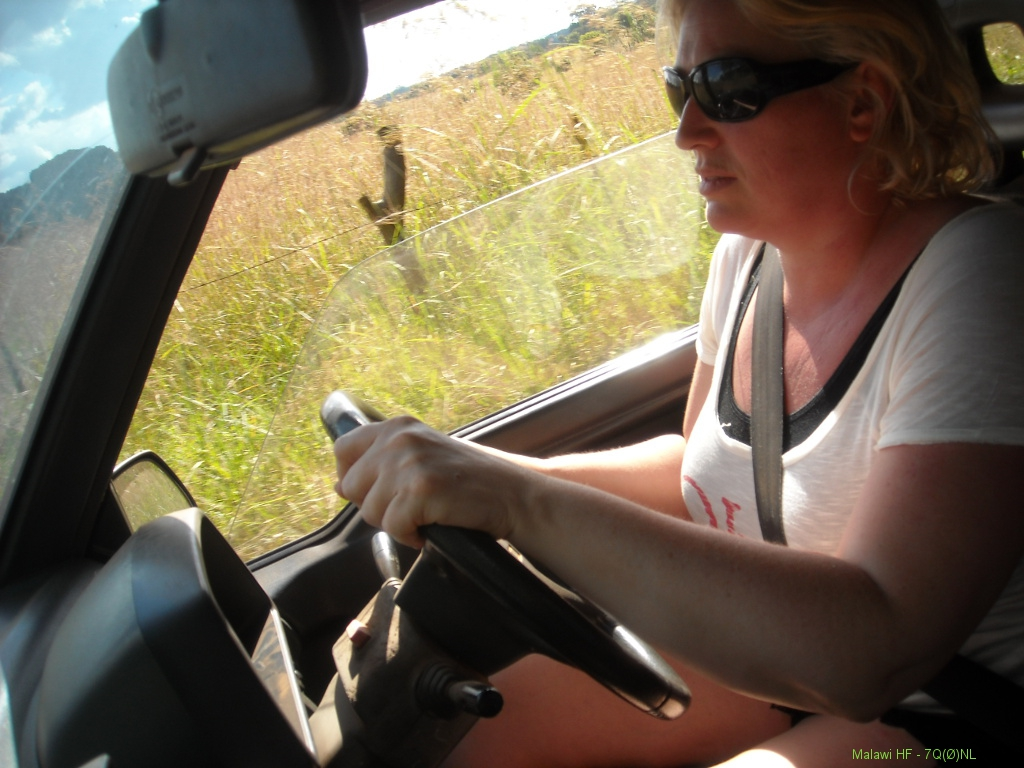 Saskia-driving-in-Malawi